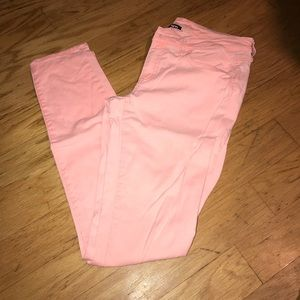AMERICAN EAGLE PINK SKINNY JEANS
